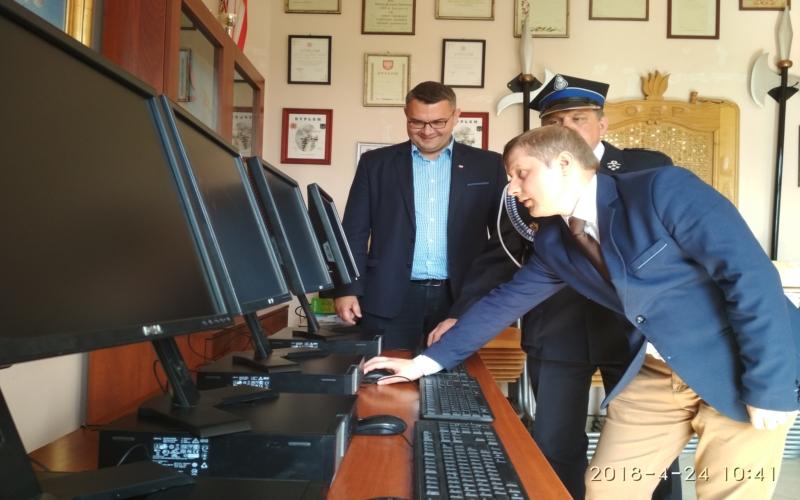 Oglądasz obraz z artykułu: Zestawy komputerowe dla OSP Krzyszkowice