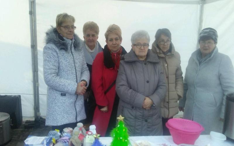 Oglądasz obraz z artykułu: 2017.12.17 - Piknik Bożonarodzeniowy w Myślenicach