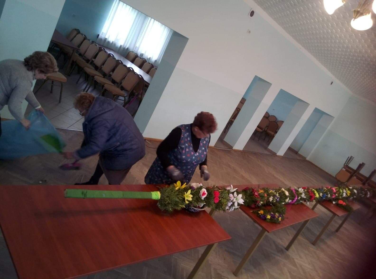 Oglądasz obraz z artykułu: KGW - Przygotowania do niedzieli palmowej