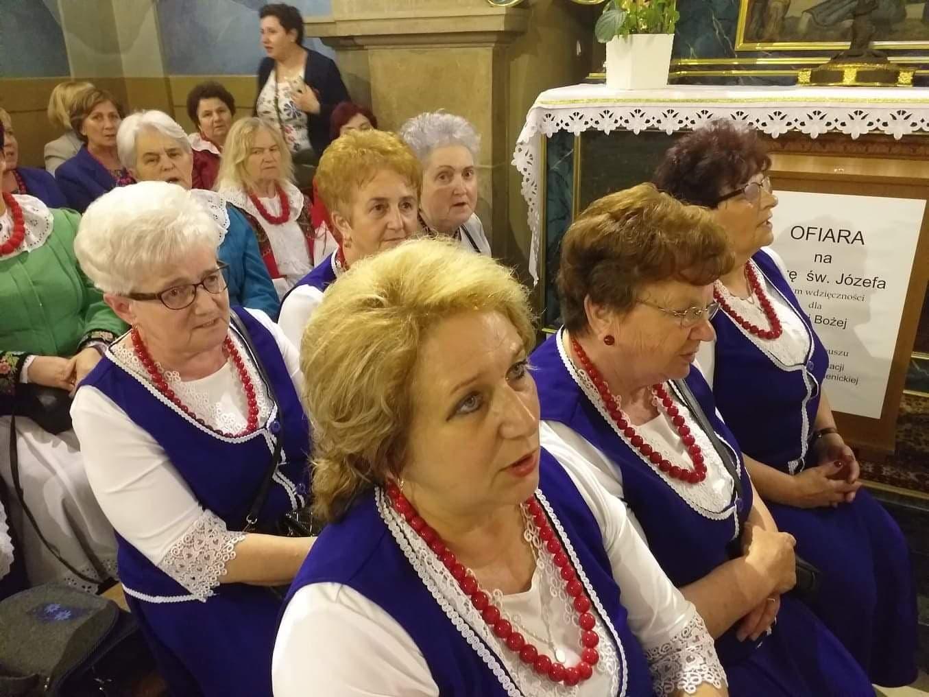 Oglądasz obraz z artykułu: KGW - u Matki Bożej Myślenickiej w kaplicy Cudownego Obrazu.